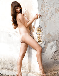 Yummy naked hottie